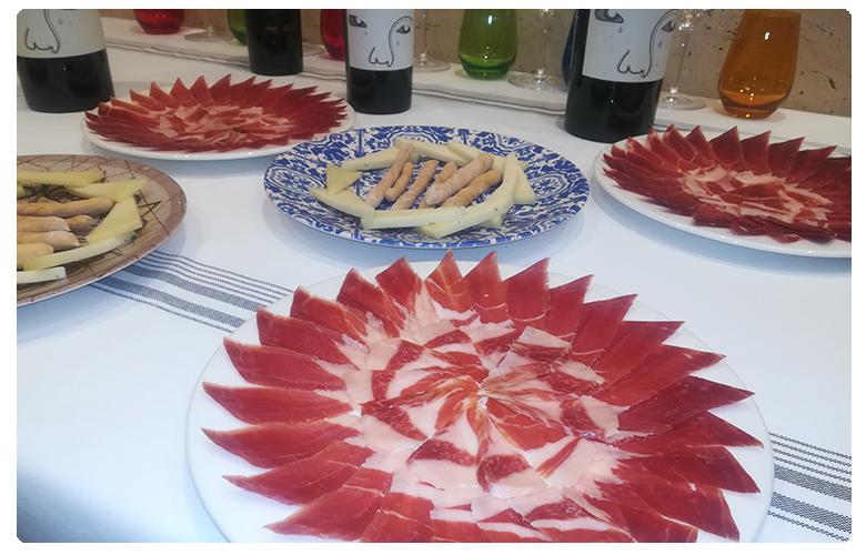 platos-de-jamon-serrano-queso-restaurante-el-chaleco